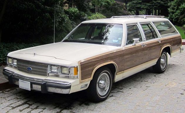 640px-Ford_LTD_Country_Squire_--_05-23-2012_front.JPG