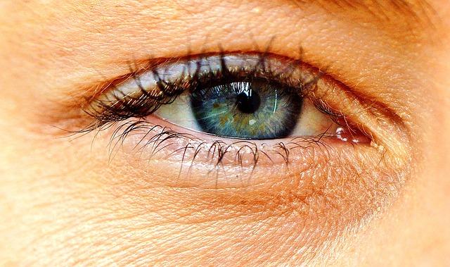 eye-2323146_640
